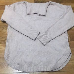 Gap turtleneck round hem sweater